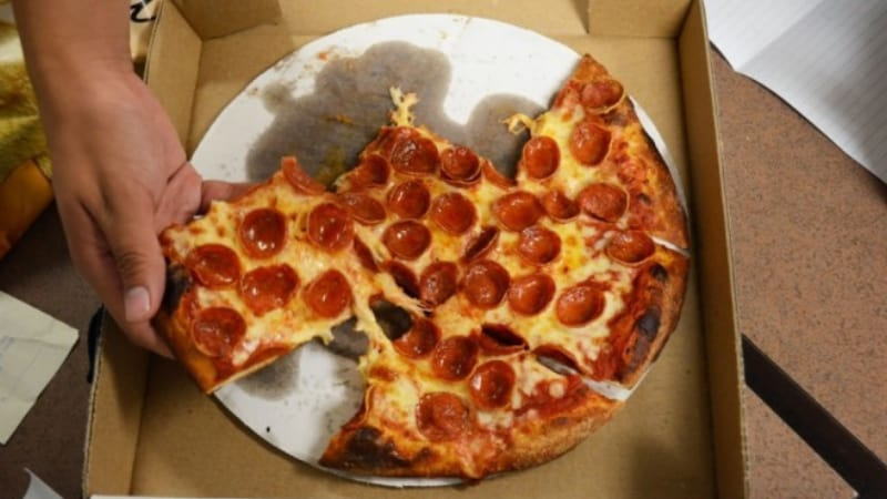 Can you leave pizza out overnight