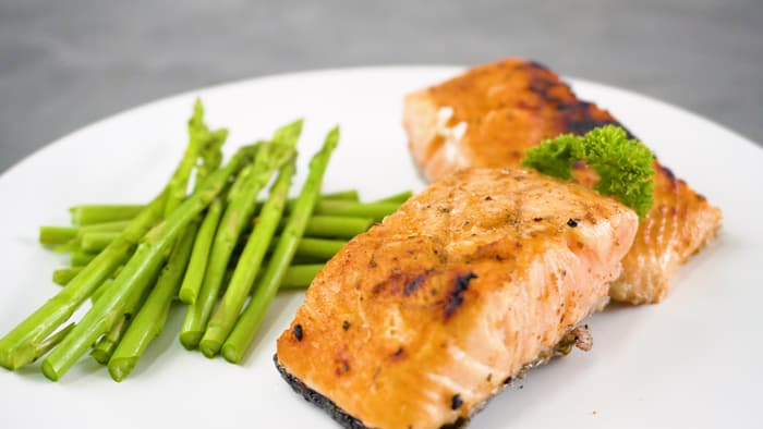 cook frozen salmon on griddle
