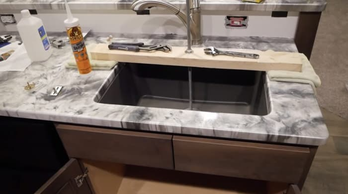 installing your undermount sink to granite