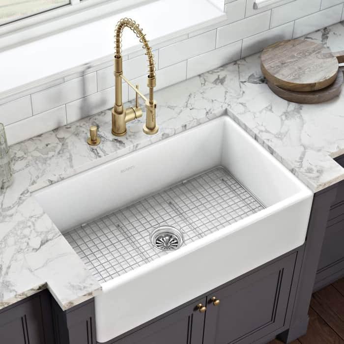 Farmhouse/apron sink