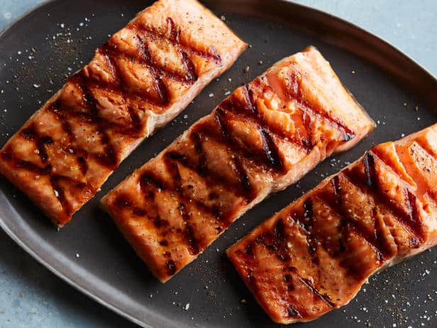 cook salmon on a griddle pan